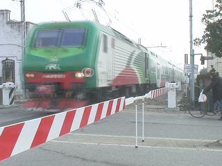passaggio-livello-treno via bologna