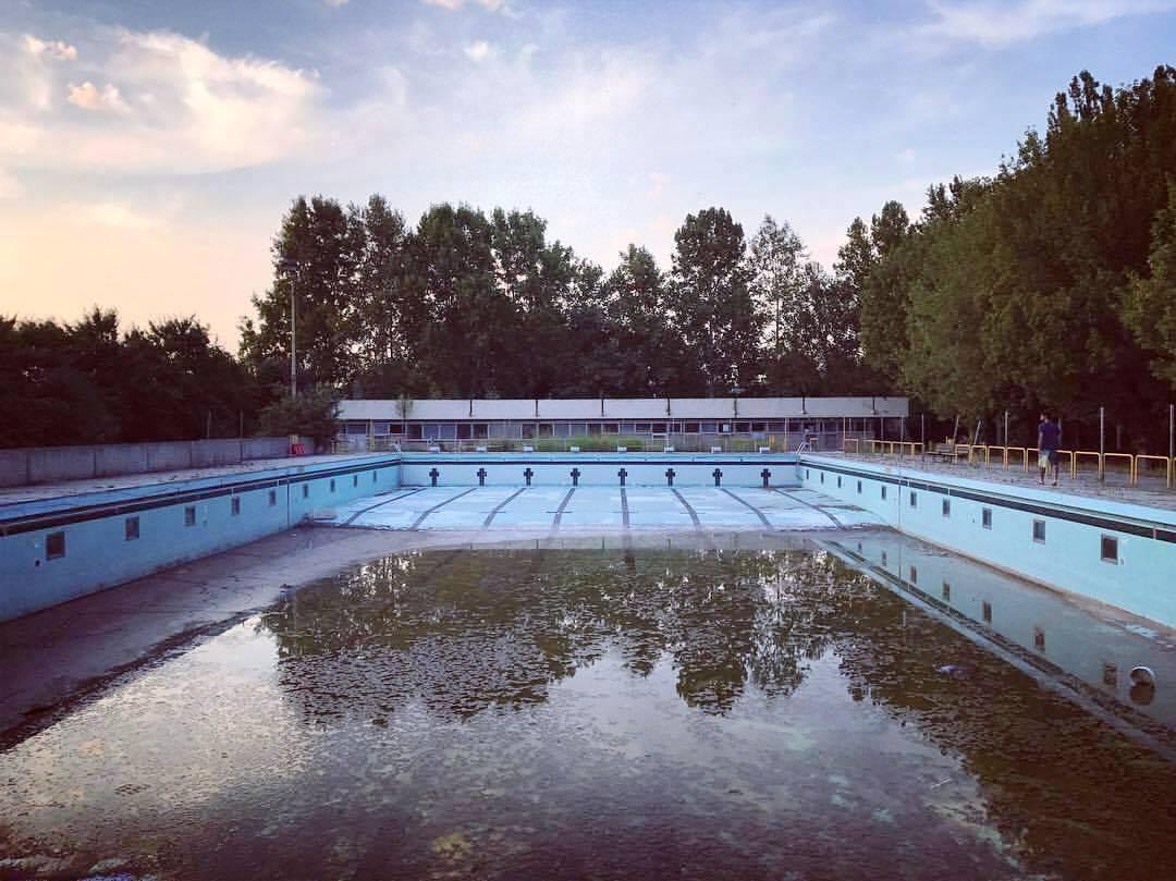 M5s piscina di via bachelli da bonificare stato indecoroso for Piscina torello