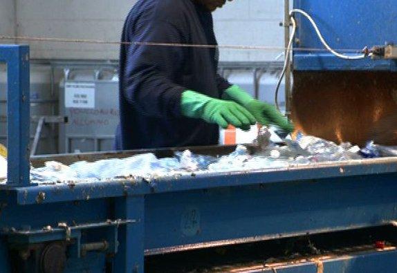 lavoro rifiuti plastica riciclo