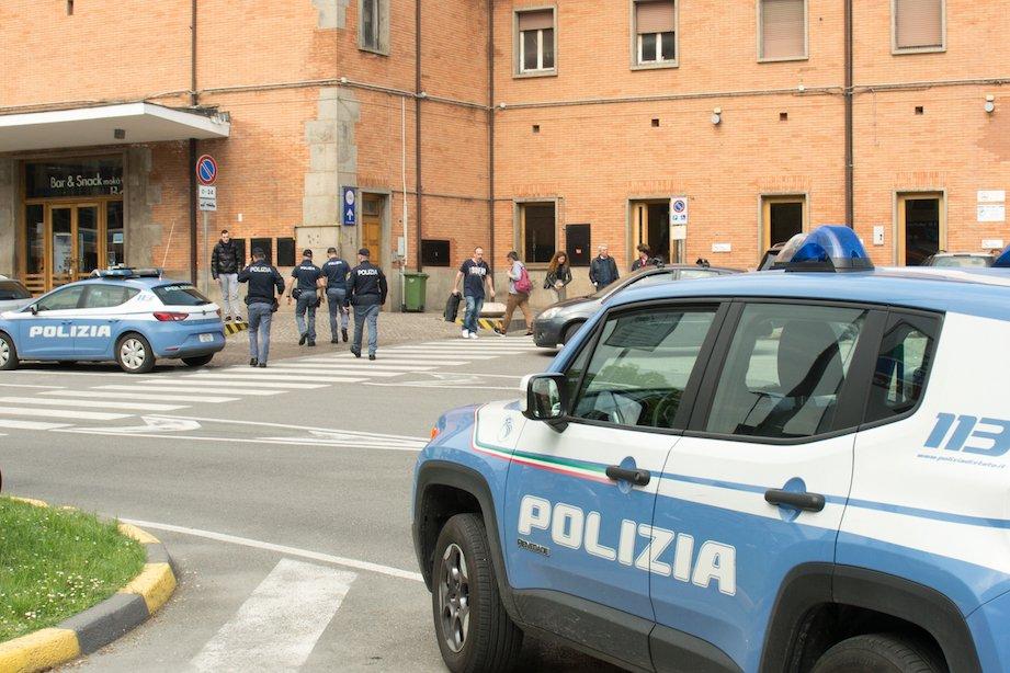 polizia stazione