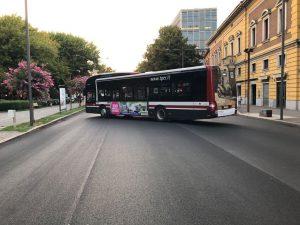 Ferrara Buskers Festival - Bus anti sfondamento - Foto di Massimo Bendet...