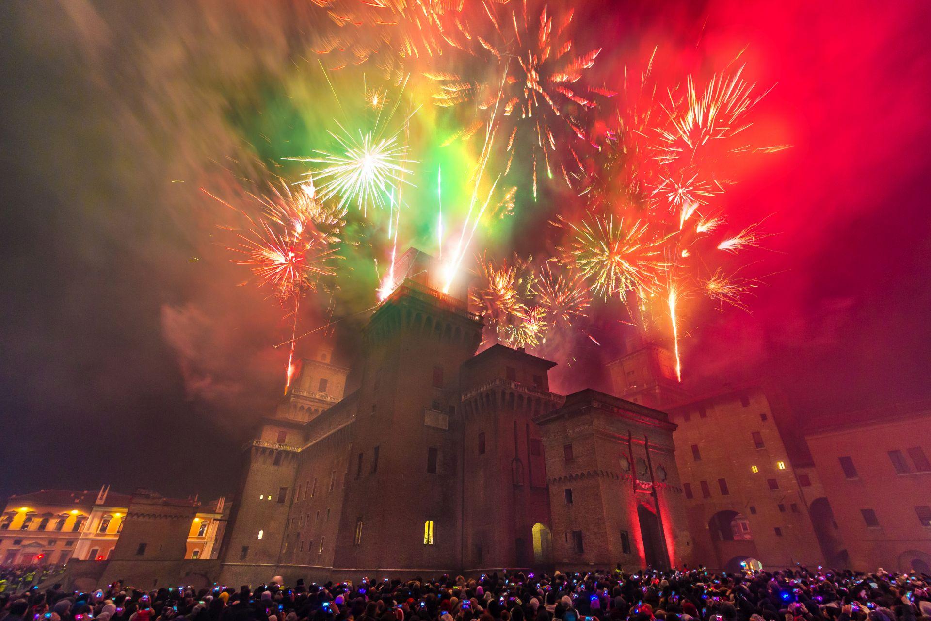 Incendio-del-Castello-Estense-Capodanno-a-Ferrara-
