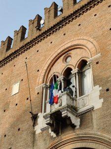 Bandiere mezz'asta Comune Ferrara2