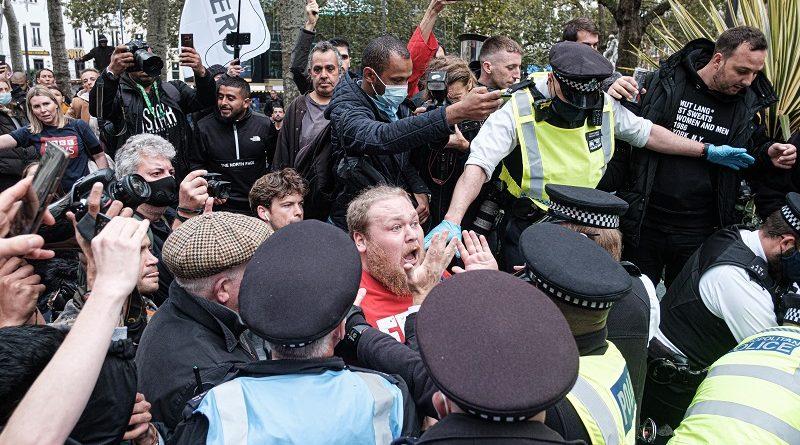 Blitz contro associazione neo-nazista no vax, coinvolta anche Ferrara